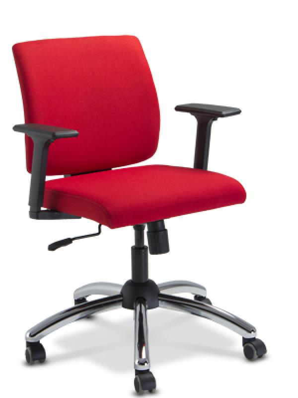 Cadeiras Diretor Bases Cromadas em Cotia - Cadeiras Diretor Vermelha