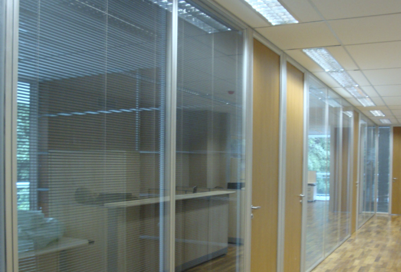 Divisória Escritório com Vidro em Ribeirão Pires - Divisórias para Escritório de Vidro