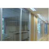 divisória escritório com vidro
